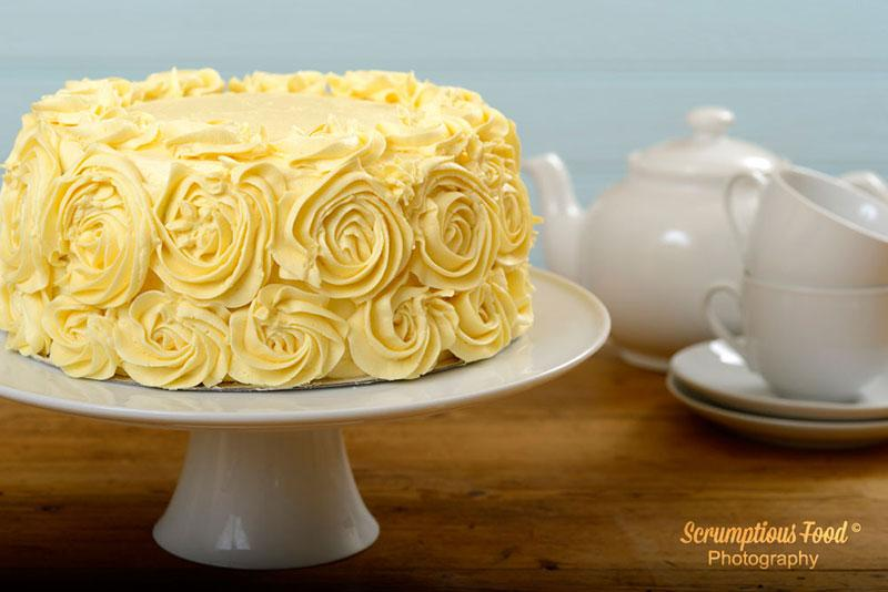 Vanilla cake with rose flower detail frosting