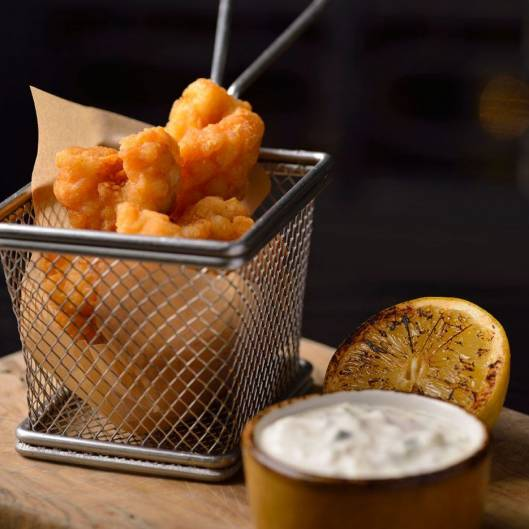 tempura battered prawns with dip