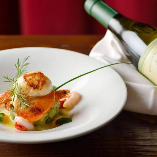 scallops and prawns paired with french wine