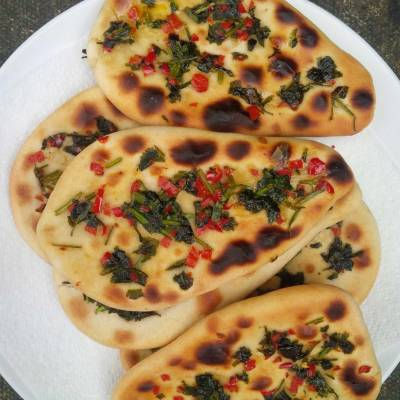 plate of nan breads