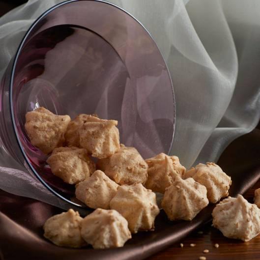 peanut butter meringue bites