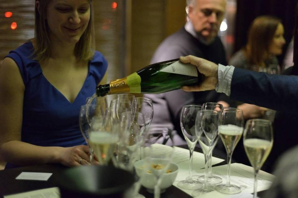 pouring english sparkling wine tasting